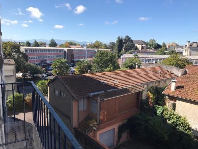 Vue: 3296-balcon et vue, PAU SAINT CRICQ, A VENDRE, T2 à rafraîchir, avec balcon, et cave.