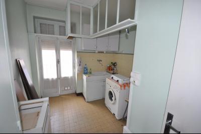 Vue: 3296-cuisine, PAU SAINT CRICQ, A VENDRE, T2 à rafraîchir, avec balcon, et cave.
