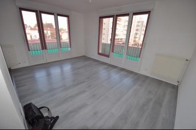 Vue: PAU-A vendre-T3-Séjour, PAU ST JOSEPH, A VENDRE, T3 avec balcon, cave et garage
