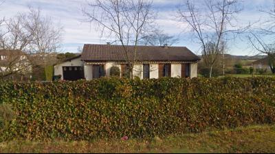 Vue: SERRES CASTET-Maison 4 chambres-Façcade, EXCLUSIVITÉ SERRES CASTET, A VENDRE, Maison de 135 m² avec 4 chambres, de plain pied.