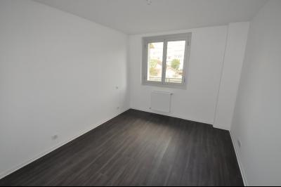 Vue: PAU Centre-A VENDRE- T4 Duplex-Chambre 2, PAU CENTRE, A VENDRE, T4 en duplex rénové de 85 m²