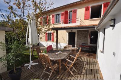 Vue: BIZANOS, A VENDRE maison 3 chambres, terrasse, PROCHE PAU, A VENDRE, charmante maison avec vie de plain-pied de 121 m², 3 chambres, avec jardin