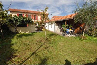 Vue: BIZANOS, A VENDRE maison 3 chambres, jardin, PROCHE PAU, A VENDRE, charmante maison avec vie de plain-pied de 121 m², 3 chambres, avec jardin