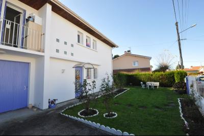 Vue: MAZERE-LEZON, à vendre, maison 5 chambres - Cuisine, MAZERES LEZONS, A VENDRE, Maison de 127 m² avec 5 chambres