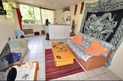 Vue: Exclusivité PAU- Studio - Pièce de vie, EXCLUSIVITE PAU, A VENDRE, Studio de 30 m² avec terrasse, loué