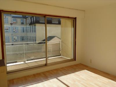 Vue: T2 Tribunal-A VENDRE- Séjour, PAU TRIBUNAL, A VENDRE, Appartement T2 avec garage et cave