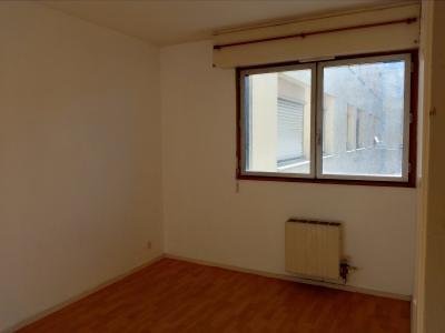 Vue: T2 Tribunal-A VENDRE- Chambre, PAU TRIBUNAL, A VENDRE, Appartement T2 avec garage et cave