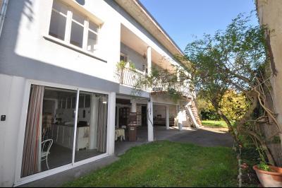 EXCLUSIVITÉ SUD DE PAU, A VENDRE, Maison de ville avec 4 chambres. Agence immobilière Libre-Immo, Pyrénées-Atlantiques, à Nay et Pau