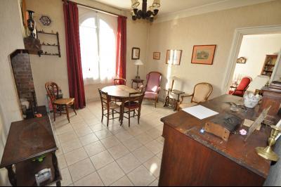 EXCLUSIVITÉ SUD DE PAU, A VENDRE, Maison de ville avec 4 chambres.