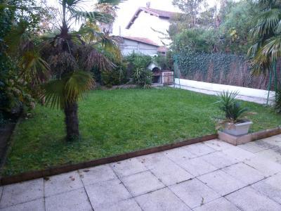 Vue: PAU, A VENDRE, T3 avec garage et jardin-Jardin, PAU, A VENDRE, appartement T3, garage et jardin