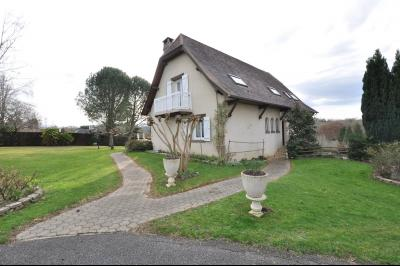 COTEAUX JURANCON, A VENDRE, maison de 6 chambres sur un domaine de 5276 m² avec vignes Agence immobilière Libre-Immo, Pyrénées-Atlantiques, à Nay et Pau