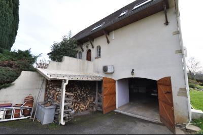Vue: JURANCON, a vendre maison 7 pièces - séjour, COTEAUX JURANCON, à vendre, maison de 6 chambres, domaine de 5276 m² avec vignes