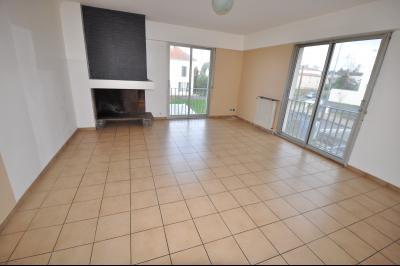 Vue: PAU-A VENDRE-T4-Séjour, PAU LECLERC, A VENDRE, Appartement T4 de 108 m² avec parking