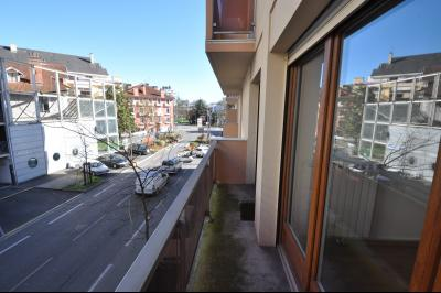 Vue: EXCUSIVITE, PAU, A VENDRE appartement T2 51 m², balcon, parking, cellier,, EXCLUSIVITE, PAU, A VENDRE appartement T2 51 m² avec balcon, cellier et parking