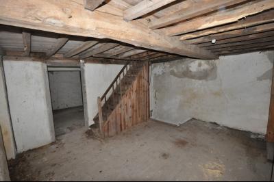 Vue: ARTIX, A VENDRE, Béarnaise à rénover- Interieur, ARTIX, A VENDRE, Maison à rénover sur 8 740 m² de terrain