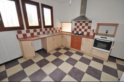 Vue: Proche LESCAR-Maison 3 chambres-Cuisine, PROCHE LESCAR, A VENDRE, Maison 3 chambres sur 860 m² de terrain