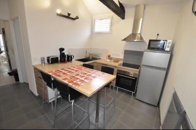 Vue: Exclusivité PAU CHÂTEAU- T2-Cuisine, EXCLUSIVITÉ PAU CHÂTEAU, A VENDRE, T2 duplex de 45 m² vendu meublé