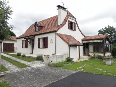 Vue: Façade, PROCHE MORLAAS, A VENDRE,  maison 3 chambres, garage et grand atelier