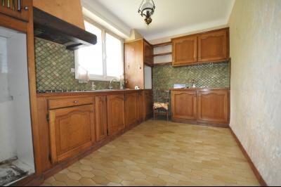 Vue: BIZANOS-A VENDRE- MAISON 3 chambres-Cuisine, BIZANOS, A VENDRE, Maison 3 chambres avec garage sur 807 m² de terrain
