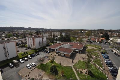 Vue: HAUT DE BILLERE-A VENDRE-T2 avec cave et parking-Vue, HAUT DE BILLERE, A VENDRE, Appartement T2 avec cave et parking