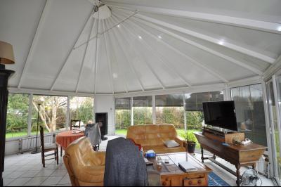 Vue: véranda, EXCLUSIVITÉ SAUVAGNON maison plain pied 3/4 chambres avec 68 m² de séjour sur 1500 m² de terrain