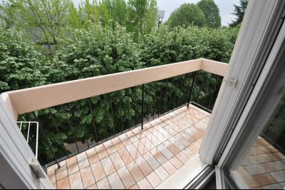 Vue: balcon, EXCLUSIVITE PAU FACS, Spacieux T4 de 88 m², 3 chambres et dressing, balcon sud, garage