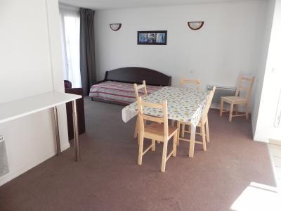 Vue: IDRON, A VENDRE, appartement T3, 65 m², 2 places de parking  - Séjour, IDRON, A VENDRE, appartement T3 de 65 m² avec 2 terrasses et 2 places de parking