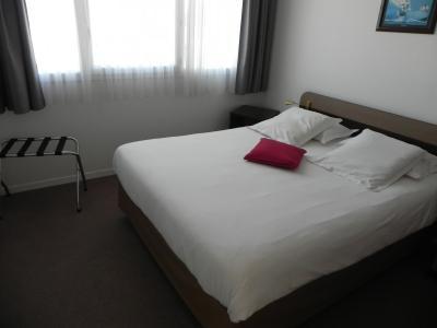 Vue: IDRON, A VENDRE, appartement T3, 65 m², 2 places de parking  - Chambre 1, IDRON, A VENDRE, appartement T3 de 65 m² avec 2 terrasses et 2 places de parking