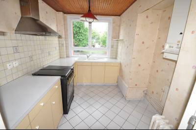 Vue: PAU CENTRE; a vendre T3 avec balcon, cave et parking - Cuisine , EXCLUSIVITÉ PAU CENTRE, A VENDRE appartement T3 avec balcon, cave et parking
