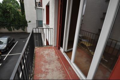 Vue: PAU CENTRE; a vendre T3 avec balcon, cave et parking - Balcon, EXCLUSIVITÉ PAU CENTRE, A VENDRE appartement T3 avec balcon, cave et parking