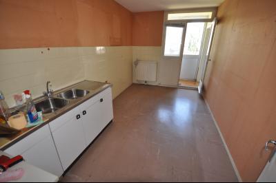 Vue: PAU FAC- A VENDRE- T4 -Cuisine, EXCLUSIVITÉ PAU FACS, A VENDRE, Spacieux T4 de 88 m², 3 chambres et dressing, balcon sud, garage