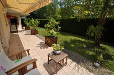 PAU NORD, A VENDRE, Appartement T4 de 102 m² avec jardin, terrasse et deux garages Agence immobilière Libre-Immo, Pyrénées-Atlantiques, à Nay et Pau