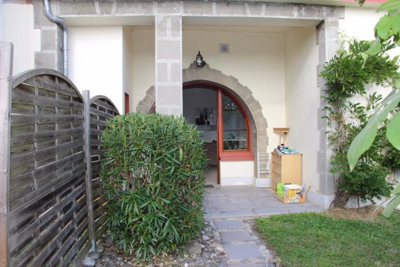 Proche BORDES - Vente Appartement de type T2 bis avec terrasse, Agence immobilière Libre-Immo dans la région Pyrénées-Atlantiques à Nay et Pau