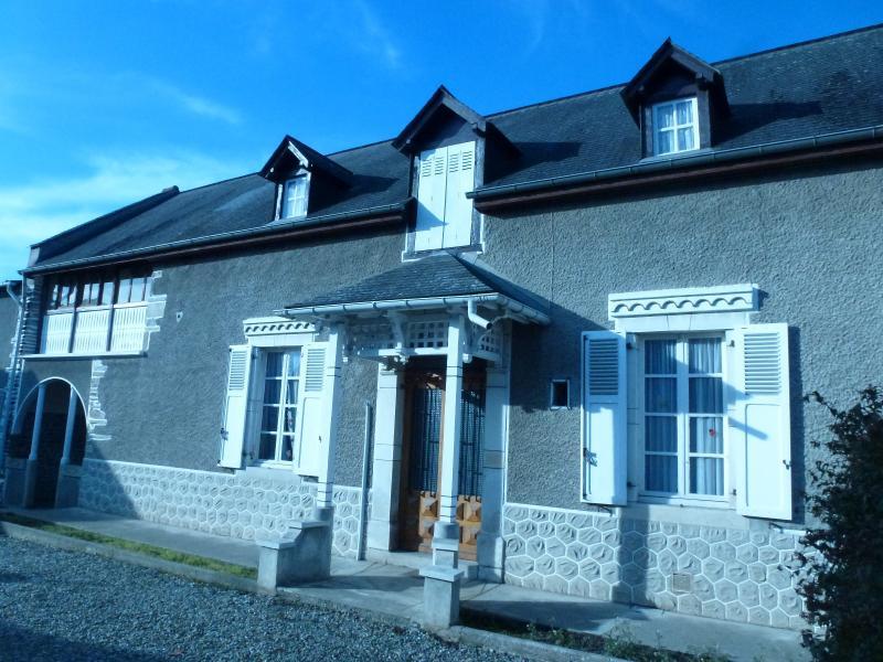 BORDES - Vente 2 maisons - 210 m² habitables - Jardin - Dépendances, Agence immobilière Libre-Immo dans la région Pyrénées-Atlantiques à Nay et Pau