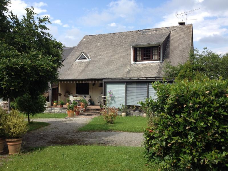 Proche NAY - Vente Grande maison de 166 m² - A rafraichir, Agence immobilière Libre-Immo dans la région Pyrénées-Atlantiques à Nay et Pau