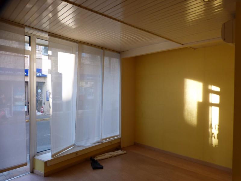 NAY - Location Local commercial dans le centre ville avec vitrine, Agence immobilière Libre-Immo dans la région Pyrénées-Atlantiques à Nay et Pau