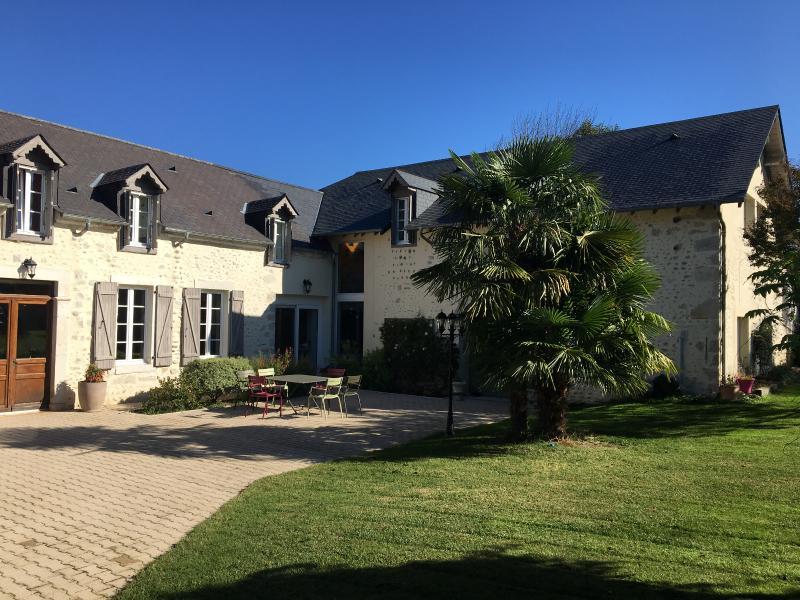 Proche BORDES - Vente Belle Béarnaise rénovée avec sa grange et sa piscine sur un grand terrain clos, Agence immobilière Libre-Immo dans la région Pyrénées-Atlantiques à Nay et Pau