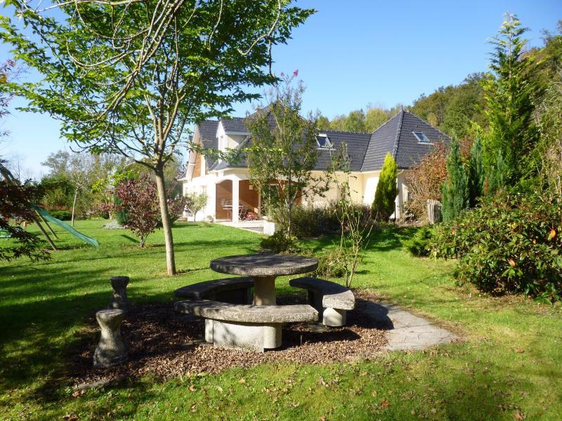 Entre PAU et TARBES - Vente en exclusivité maison avec grand terrain et vue Pyrénées, Agence immobilière Libre-Immo dans la région Pyrénées-Atlantiques à Nay et Pau