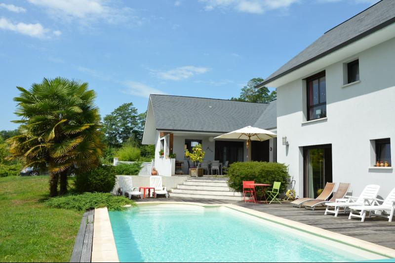 Nay - Vente d'une villa récente de 200 m² avec piscine et vue Pyrénées, Agence immobilière Libre-Immo dans la région Pyrénées-Atlantiques à Nay et Pau