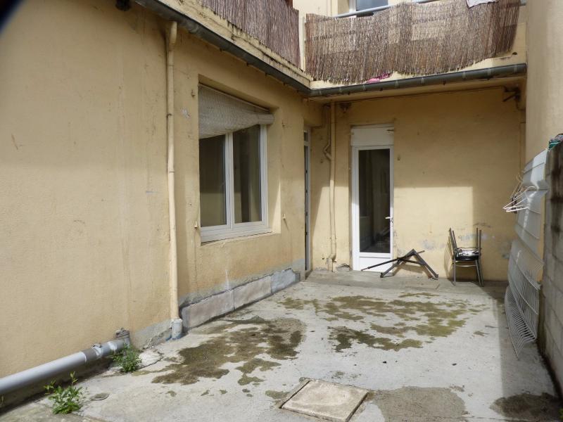 NAY - Vente appartement T3 avec cour à rafraichir dans une petite copropriété, Agence immobilière Libre-Immo dans la région Pyrénées-Atlantiques à Nay et Pau