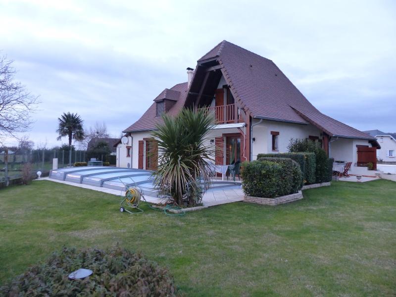 Secteur BORDES - Vente Maison 4 chambres et 1 bureau avec piscine et 2 garages, Agence immobilière Libre-Immo dans la région Pyrénées-Atlantiques à Nay et Pau