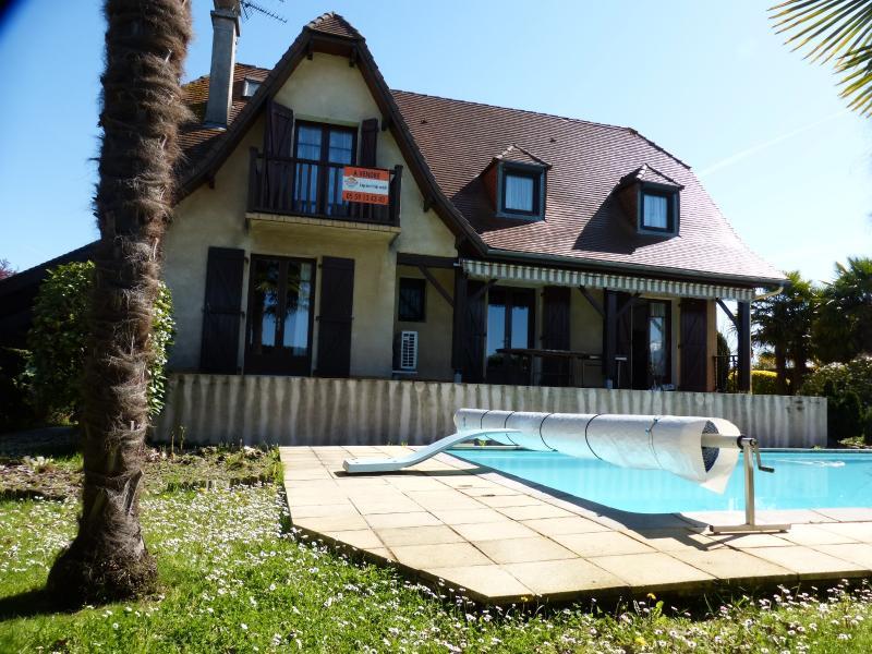 NAY - Vente Maison de type T5 style néo-béarnaise Vue Pyrénées avec piscine, Agence immobilière Libre-Immo dans la région Pyrénées-Atlantiques à Nay et Pau