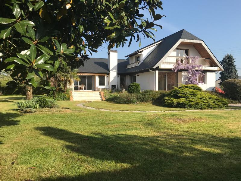 NAY - Vente Maison d'architecte 6 chambres et sous-sol sur parc arboré, Agence immobilière Libre-Immo dans la région Pyrénées-Atlantiques à Nay et Pau