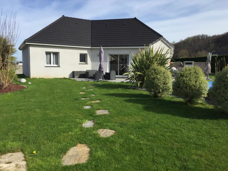 Proche NAY - Vente Maison neuve BBC 3 chambres et un bureau - Piscine - Vue montagne, Agence immobilière Libre-Immo dans la région Pyrénées-Atlantiques à Nay et Pau