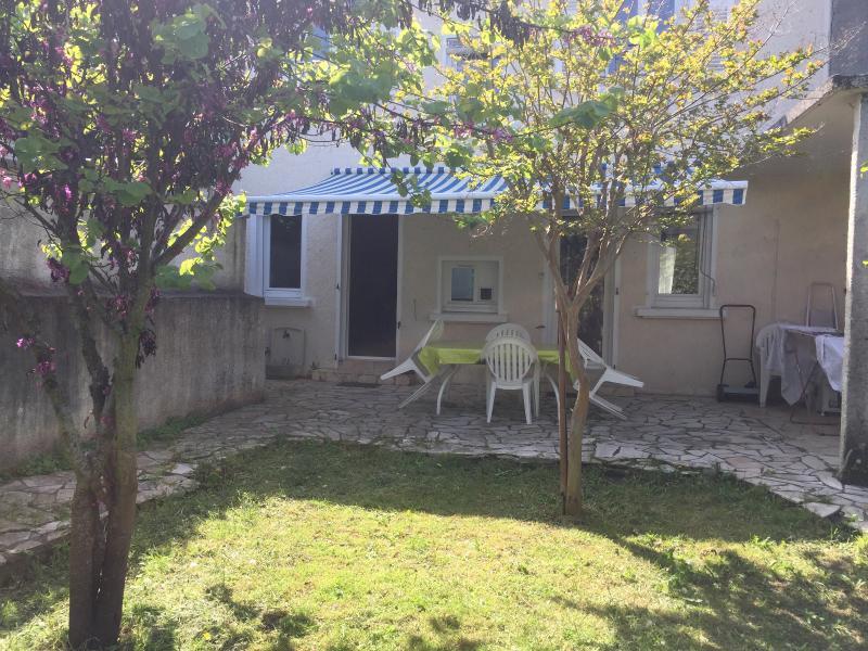 NAY - Vente, en exclusivité, Maison de ville 4 chambres avec jardin et garage, Agence immobilière Libre-Immo dans la région Pyrénées-Atlantiques à Nay et Pau