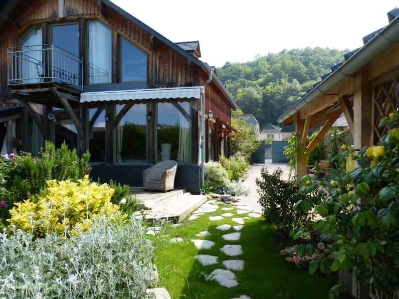 Proche NAY - Vente maison de caractère en pierres et poutres apparentes de type T3, Agence immobilière Libre-Immo dans la région Pyrénées-Atlantiques à Nay et Pau