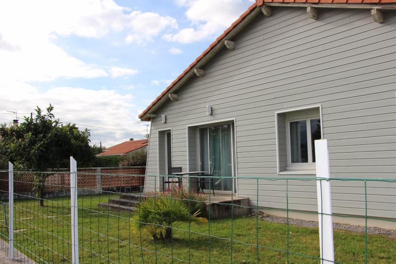 Tout proche NAY - Location Maison de 100 m² complètement rénovée avec jardin clos, Agence immobilière Libre-Immo dans la région Pyrénées-Atlantiques à Nay et Pau