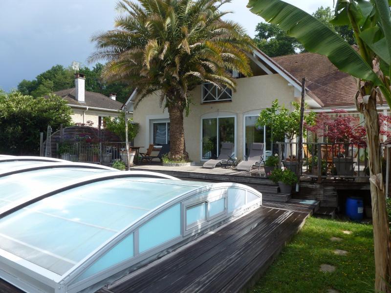 LONS, grande maison de 6 chambres, sur 980 m² de jardin avec piscine., Agence immobilière Libre-Immo dans la région Pyrénées-Atlantiques à Nay et Pau