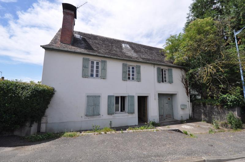 Secteur OLORON STE MARIE, Maison de 106 m² avec 130 m² de dépendance à rénover, Agence immobilière Libre-Immo dans la région Pyrénées-Atlantiques à Nay et Pau