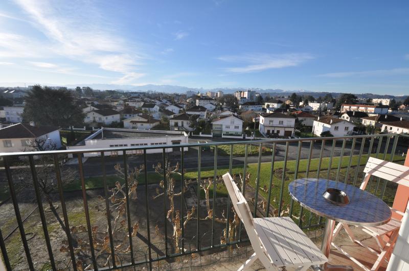 PAU ST JULIEN, Dernier étage, balcon et vue Pyrénées pour ce T3 entièrement rénové!, Agence immobilière Libre-Immo dans la région Pyrénées-Atlantiques à Nay et Pau